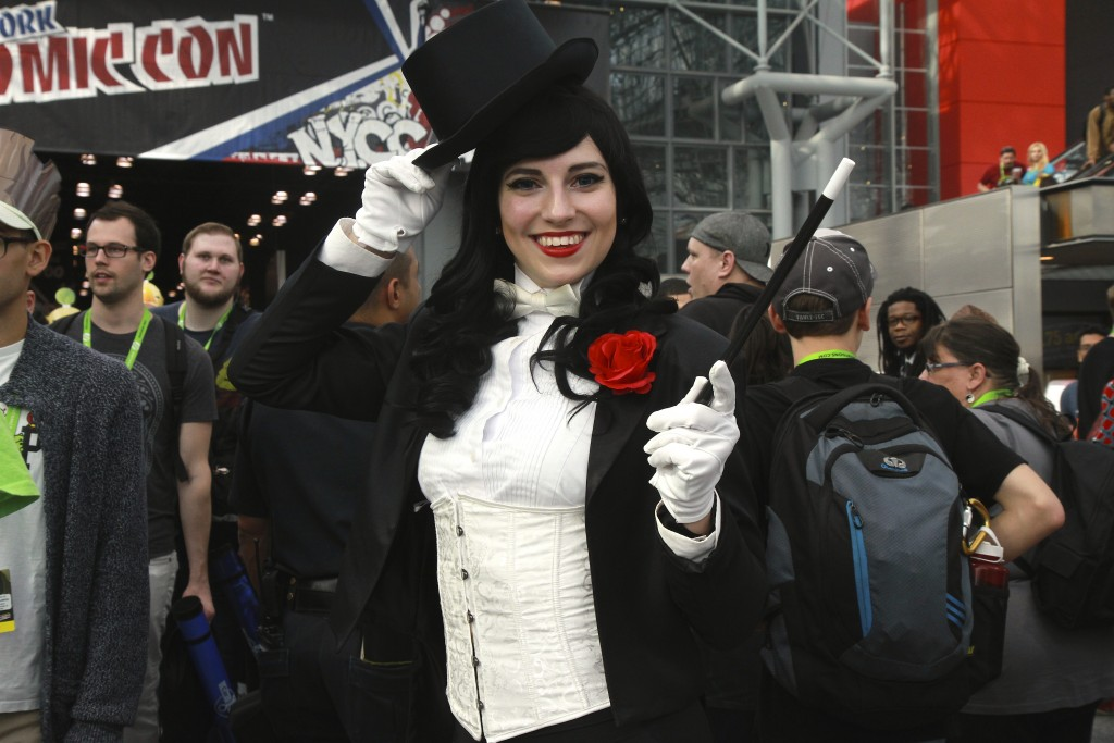New_York_Comic_Con_2015_Zatanna_1