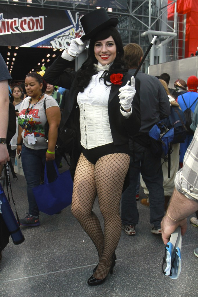 New_York_Comic_Con_2015_Zatanna_2