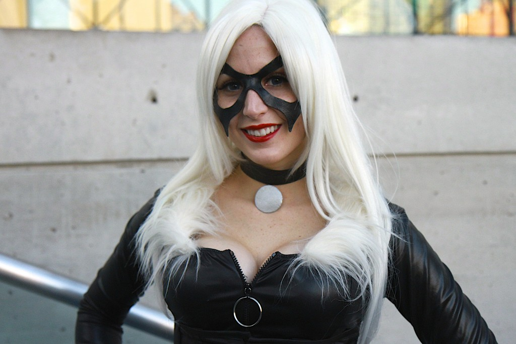New_York_Comic_Con_Cosplay_2015_Black_Cat_Negative_Stacey_1
