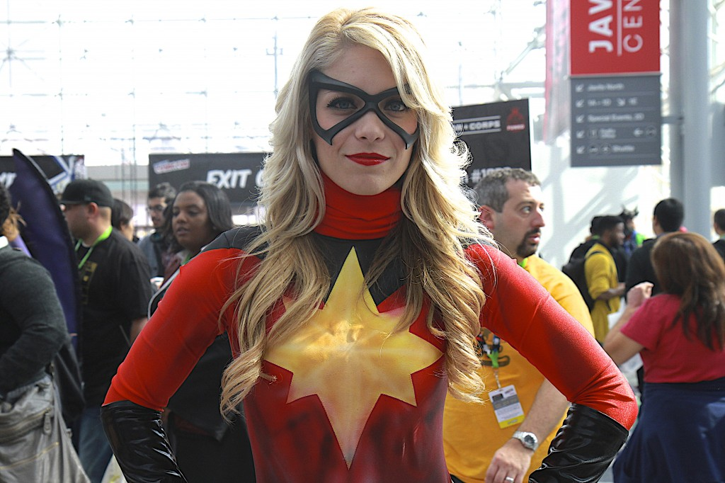 New_York_Comic_Con_Cosplay_2015_Captain_Marvel_1