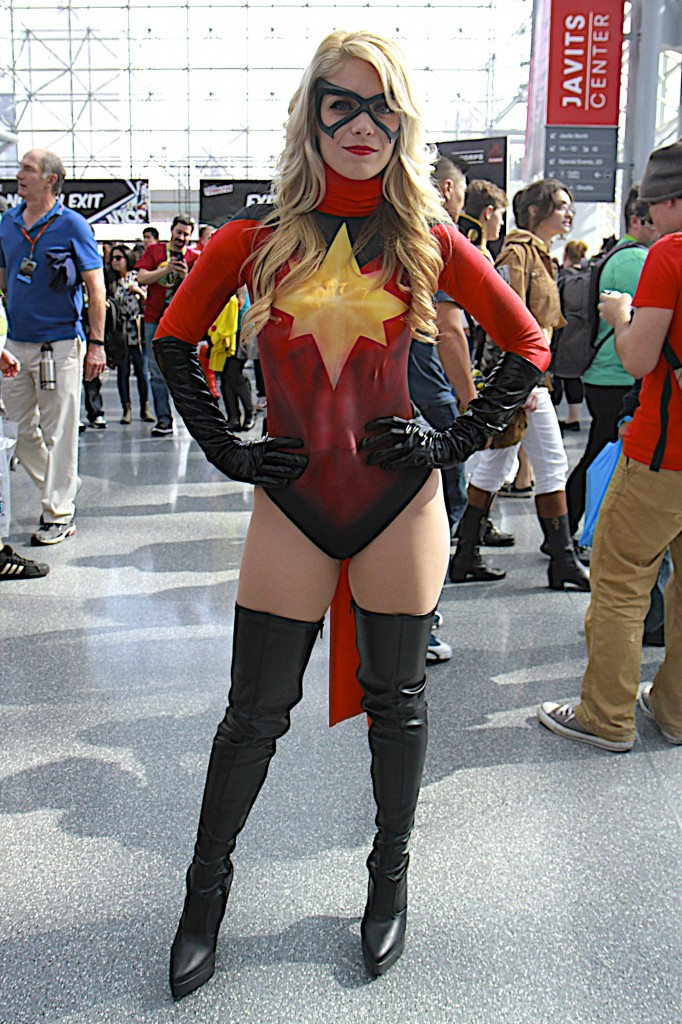 New_York_Comic_Con_Cosplay_2015_Captain_Marvel_2