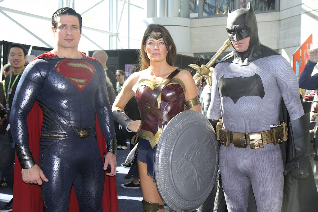 New_York_Comic_Con_Cosplay_2015_Dawn_of_Justice