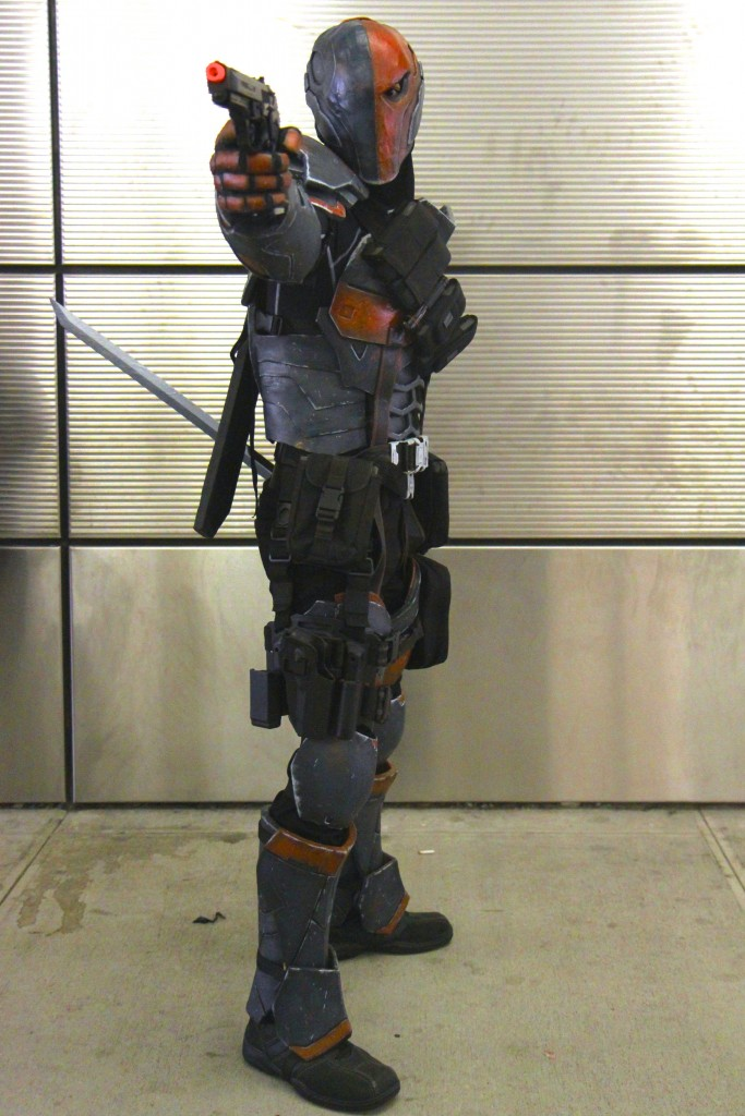 New_York_Comic_Con_Cosplay_2015_Deathstroke_1