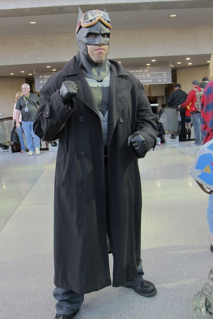 New_York_Comic_Con_Cosplay_2015_Desert_Batman_2