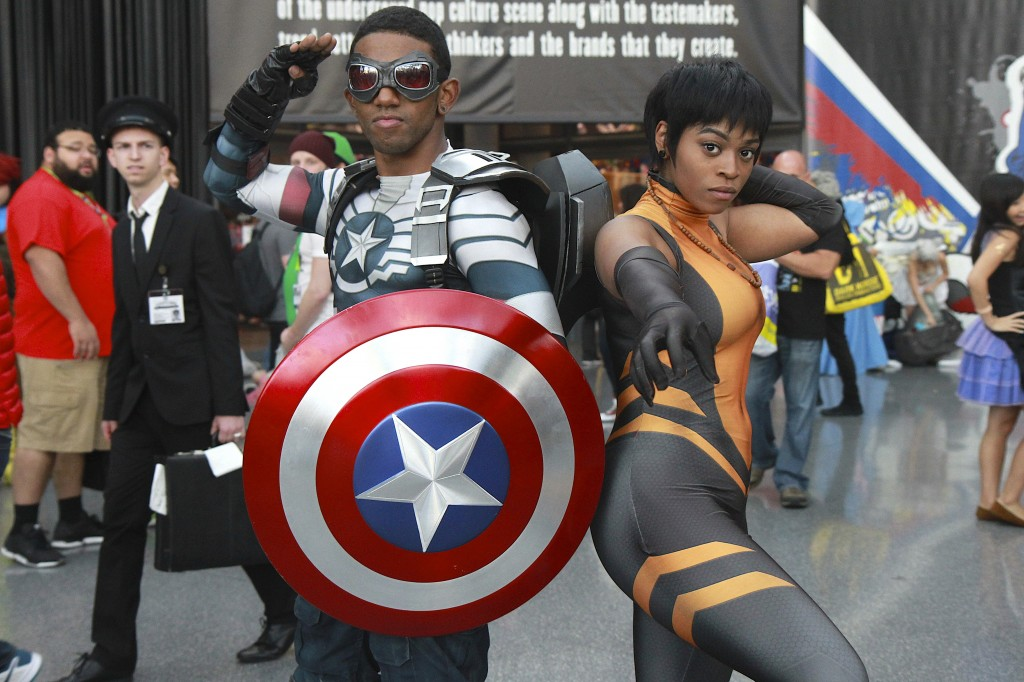 New_York_Comic_Con_Cosplay_2015_Falcon_Vixen_1