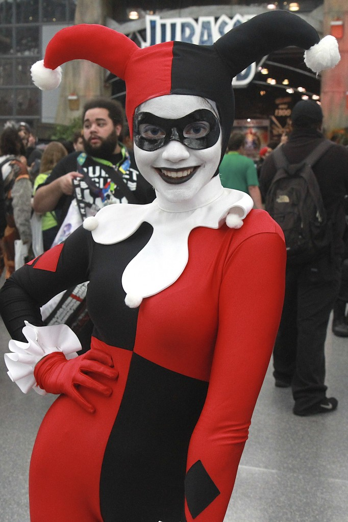New_York_Comic_Con_Cosplay_2015_Harley_Quinn_6