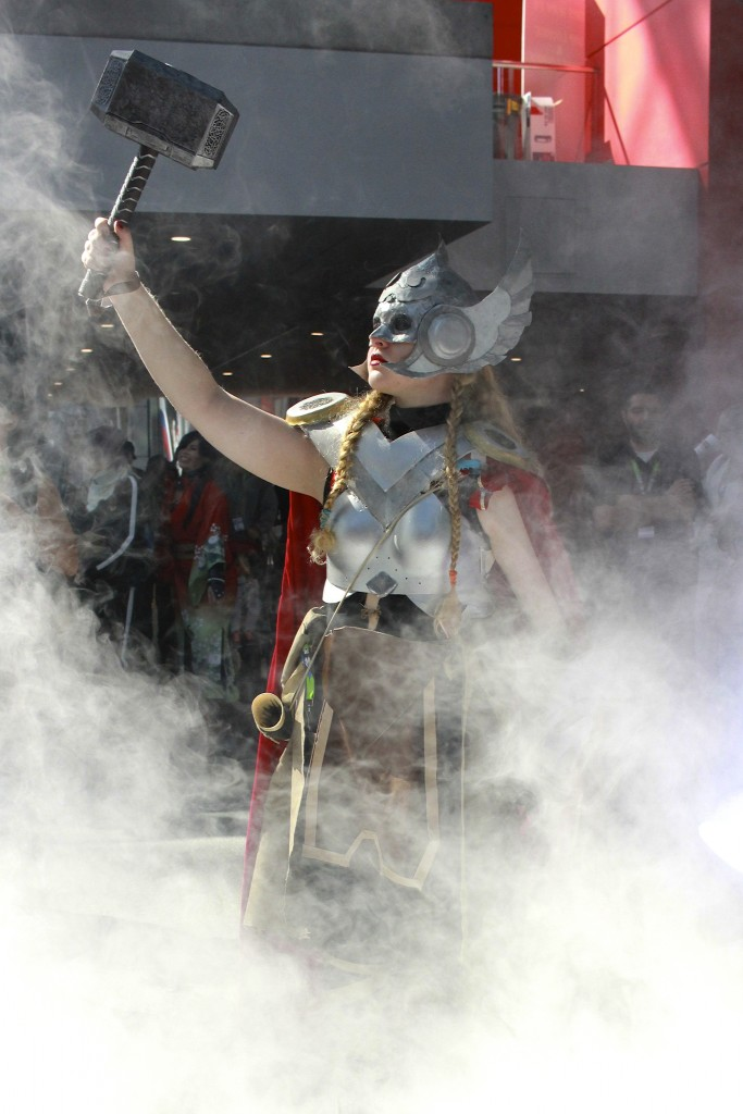 New_York_Comic_Con_Cosplay_2015_Lady_Thor