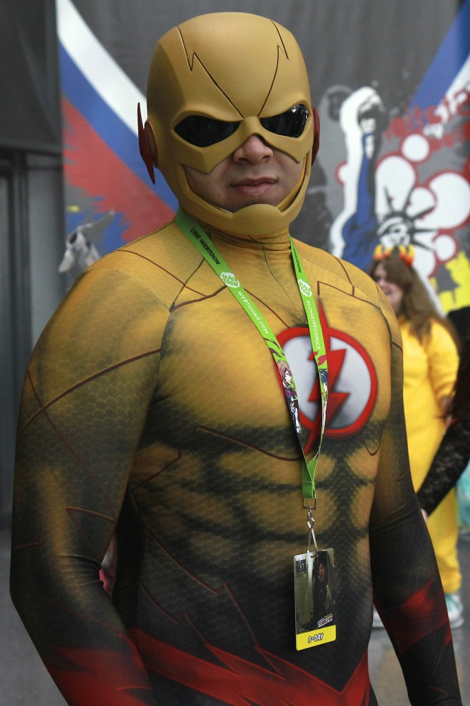 New_York_Comic_Con_Cosplay_2015_Reverse_Flash_1