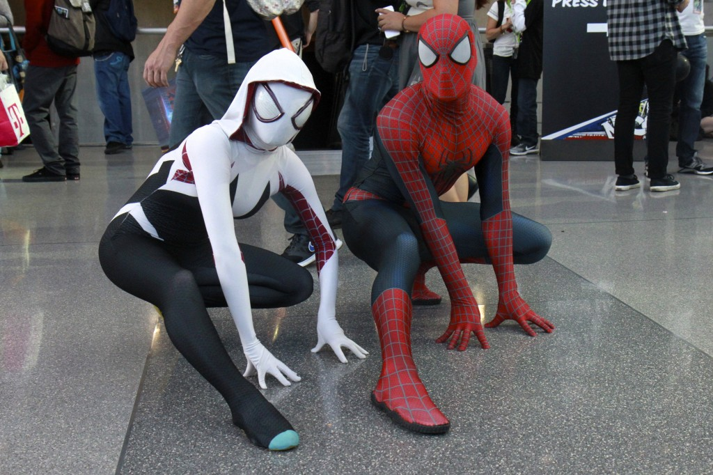 New_York_Comic_Con_Cosplay_2015_Spiderman_SpiderGwen_1