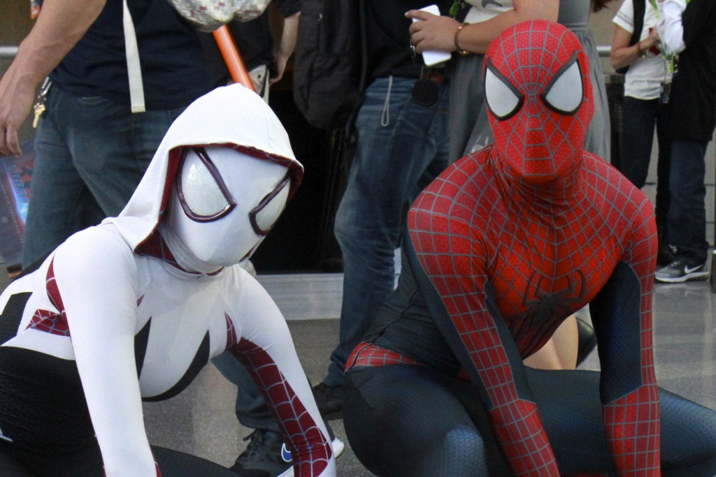New_York_Comic_Con_Cosplay_2015_Spiderman_SpiderGwen_2