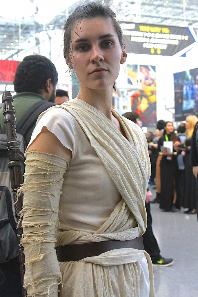 New_York_Comic_Con_Cosplay_2015_Star_Wars_Rey