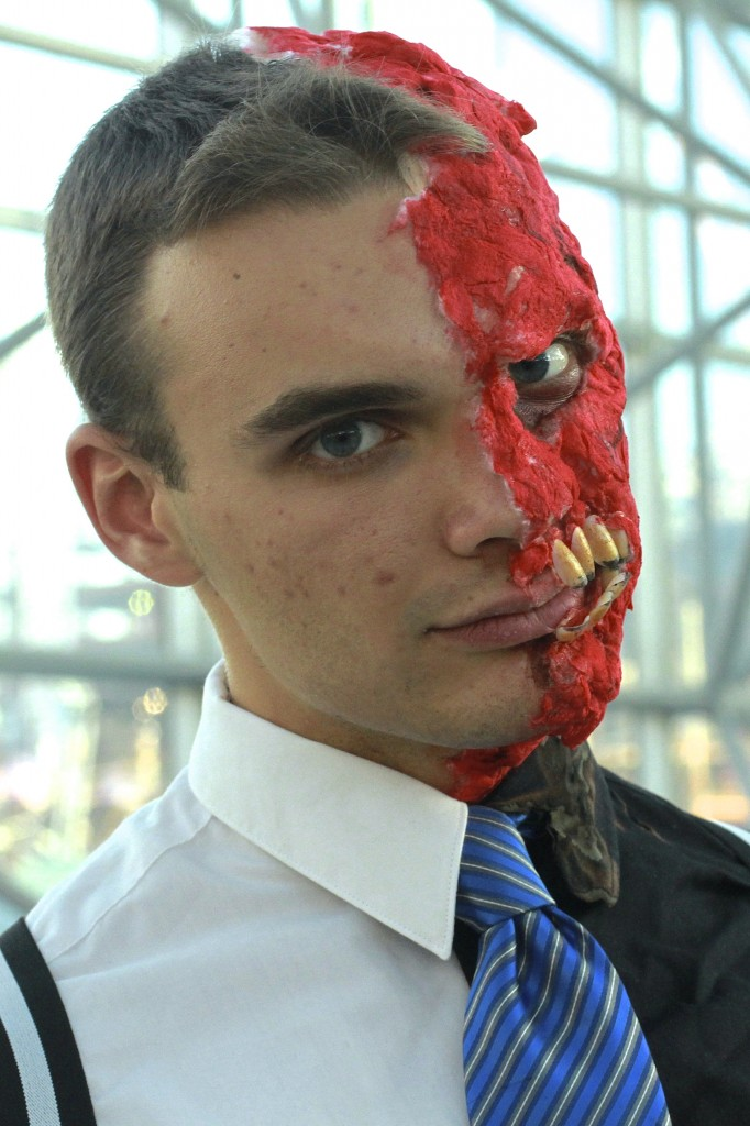 New_York_Comic_Con_Cosplay_2015_Two_Face_2