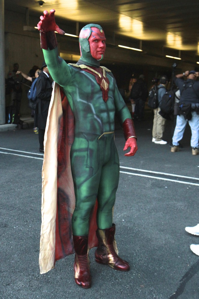 New_York_Comic_Con_Cosplay_2015_Vision_1