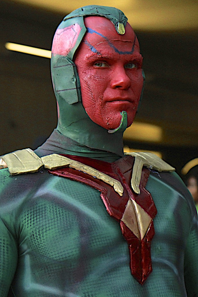 New_York_Comic_Con_Cosplay_2015_Vision_3