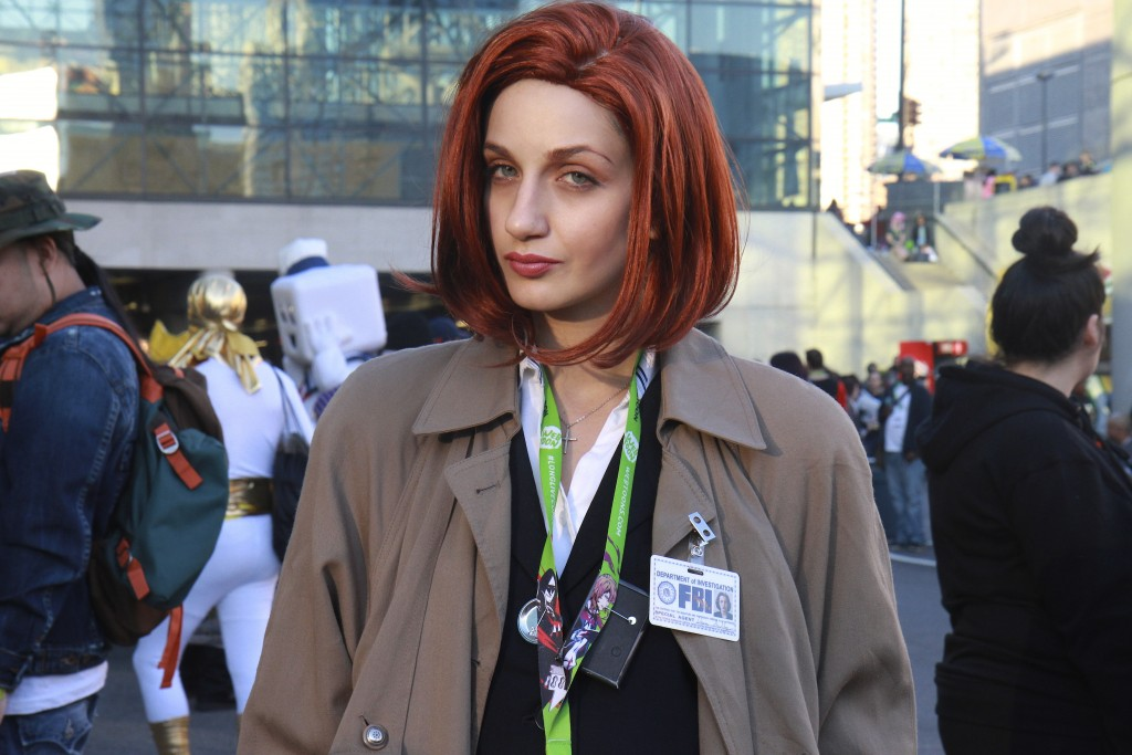 New_York_Comic_Con_Cosplay_2015_X-Files_Dana_Scully_1