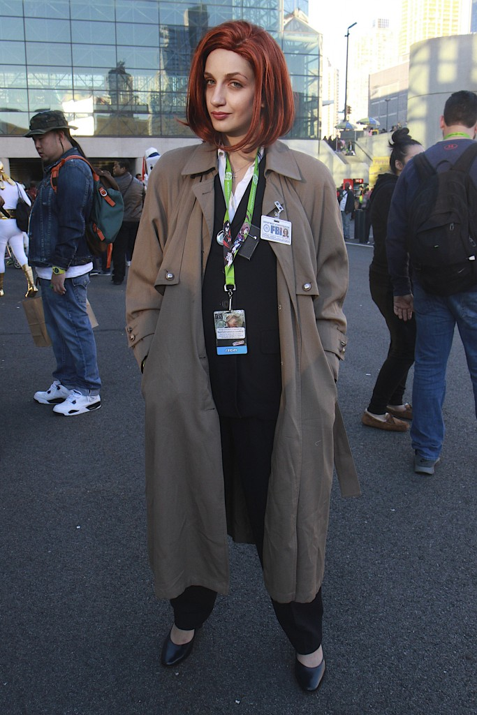 New_York_Comic_Con_Cosplay_2015_X-Files_Dana_Scully_2