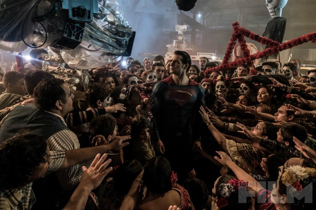 batman-v-superman-cavill-BTS-Image