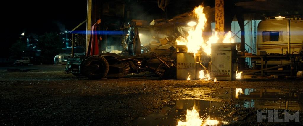 batman-v-superman-face-off