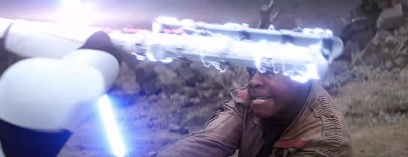 SW-The-Force-Awakens-60-Finn-Strikes