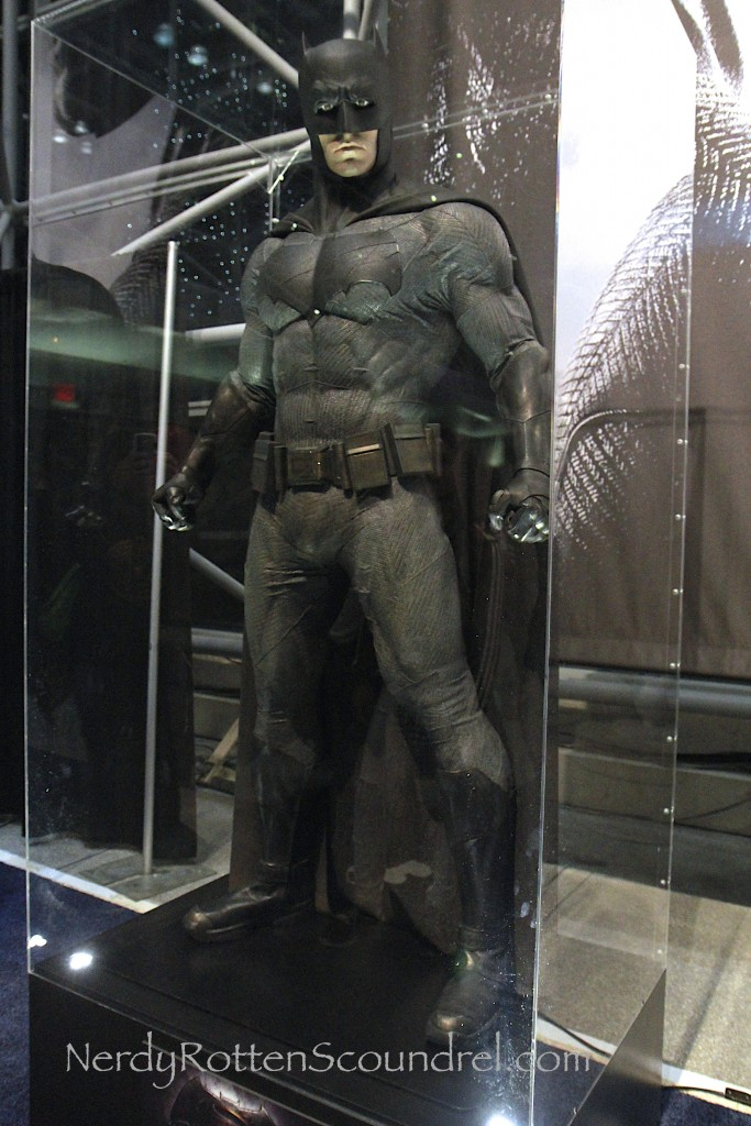 Affleck-Batman-Costume-Batman-V-Superman-New-York-Comic-Con-11