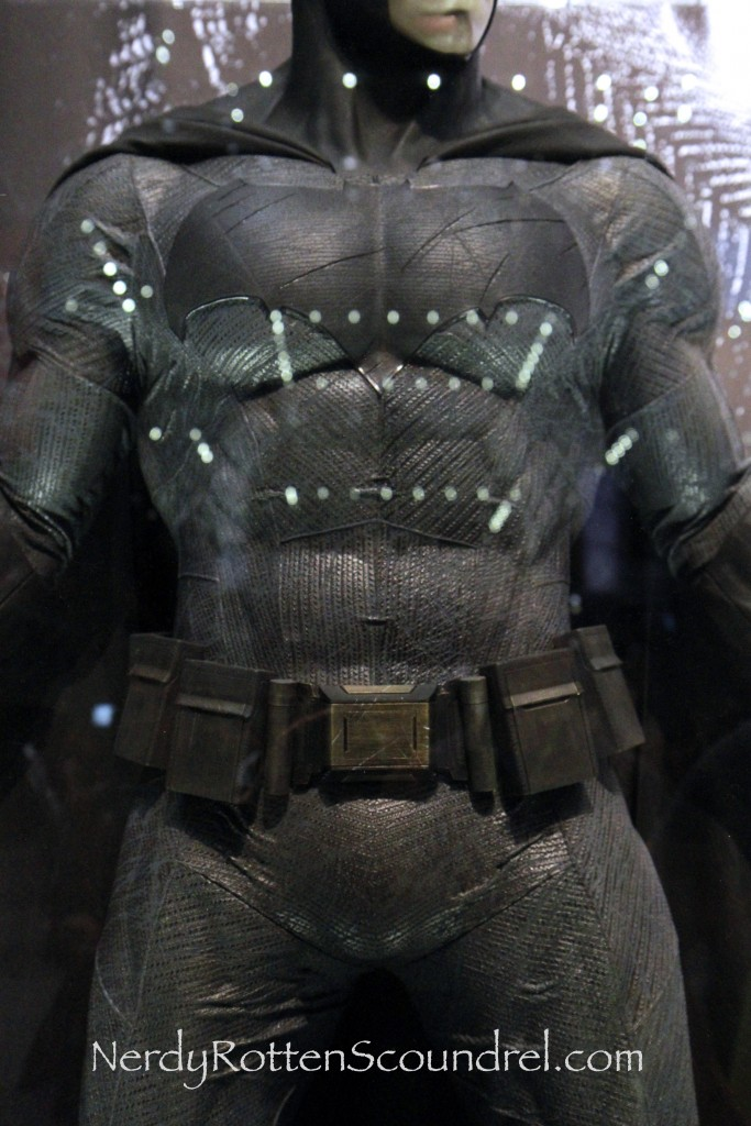 Affleck-Batman-Costume-Batman-V-Superman-New-York-Comic-Con-5