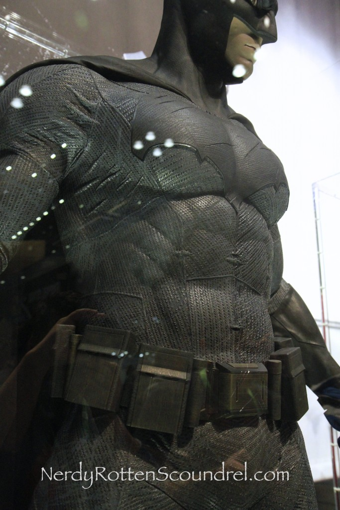 Affleck-Batman-Costume-Batman-V-Superman-New-York-Comic-Con-6