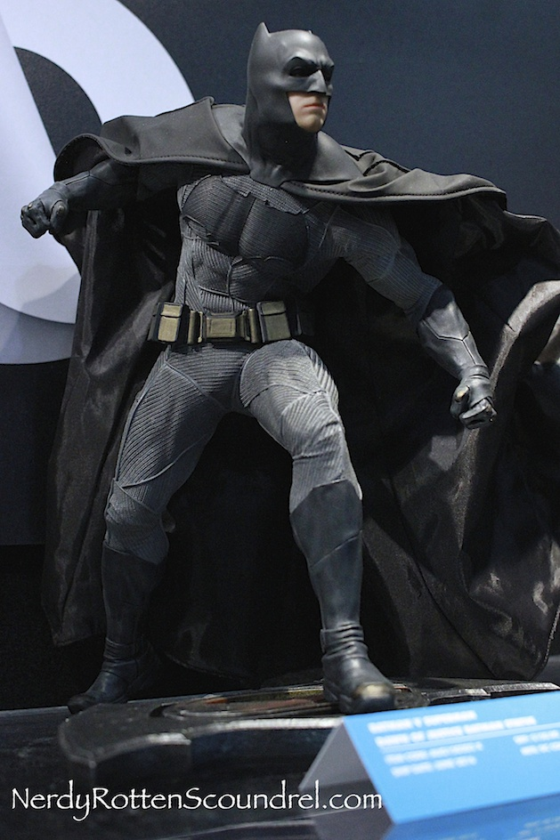 BATMAN-V-SUPERMAN-BATMAN-BEN-AFFLECK-STATUE-TOY-FAIR-2016- DC-COLLECTIBLES