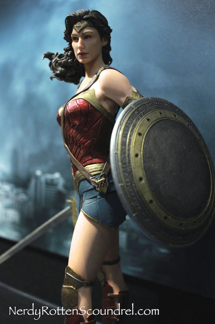 TOY FAIR 2016: BATMAN V SUPERMAN Statues From DC Collectibles
