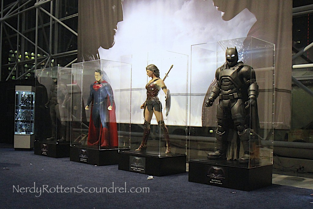 Batman-V-Superman-Costumes-New-York-Comic-Con-2