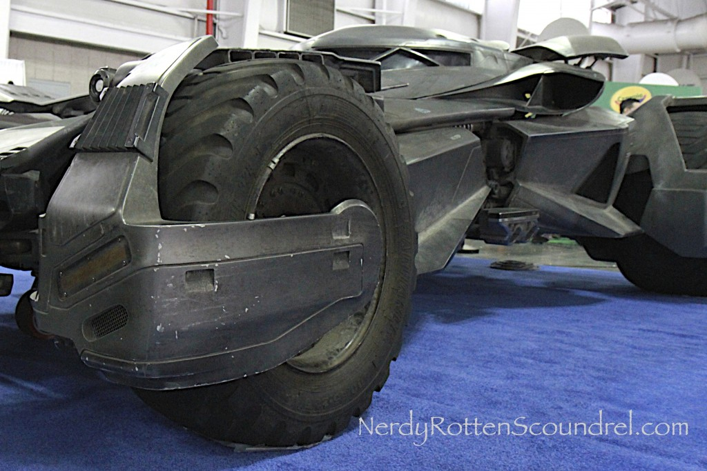 Batman-v-Superman-Batmobile-Toy-Fair-2016-16