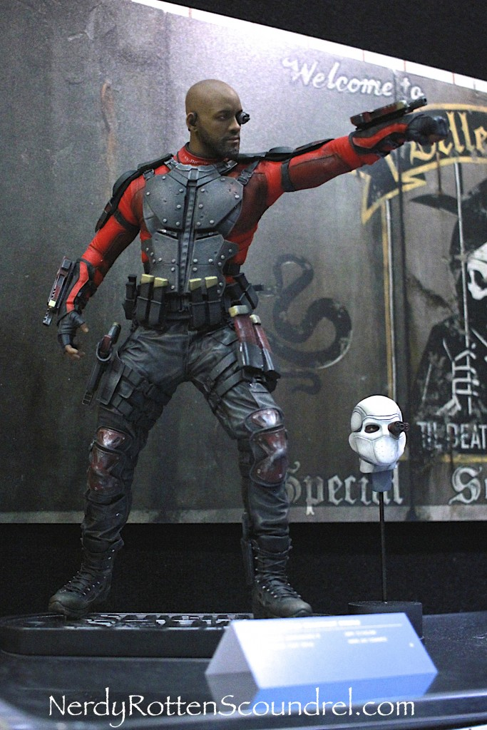 SUICIDE SQUAD-DEADSHOT-TOY-FAIR-2016- DC-COLLECTIBLES-4