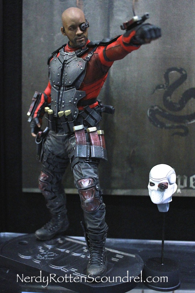 SUICIDE SQUAD-DEADSHOT-TOY-FAIR-2016- DC-COLLECTIBLES-7