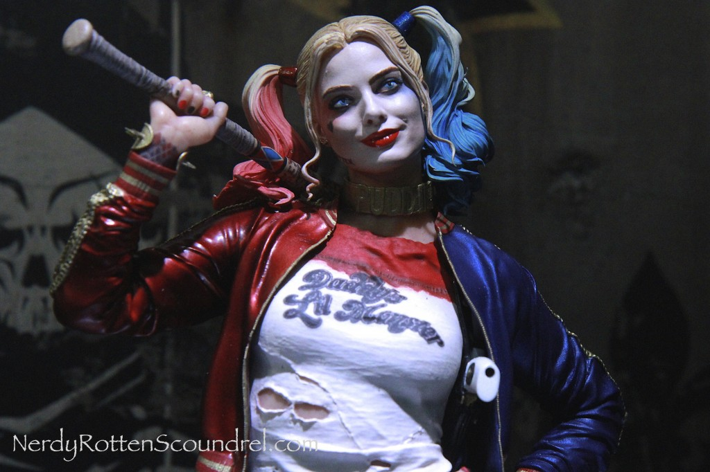 SUICIDE SQUAD-HARLEY-QUINN-MARGOT_ROBBIE-TOY-FAIR-2016- DC-COLLECTIBLES