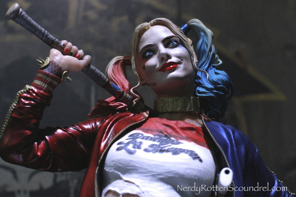 SUICIDE SQUAD-HARLEY-QUINN-MARGOT_ROBBIE-TOY-FAIR-2016- DC-COLLECTIBLES-2