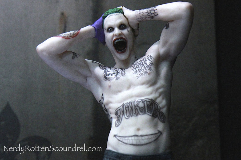 SUICIDE SQUAD-JOKER-JARED-LETO-TOY-FAIR-2016- DC-COLLECTIBLES-4